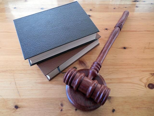 vente aux enchères par adjudication
